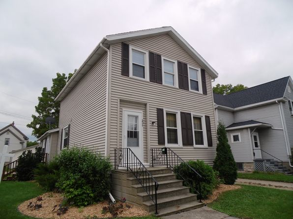 3 bed 1 bath Single Family at 204 4th St Fond Du Lac, WI, 54935 is for sale at 60k - 1 of 10