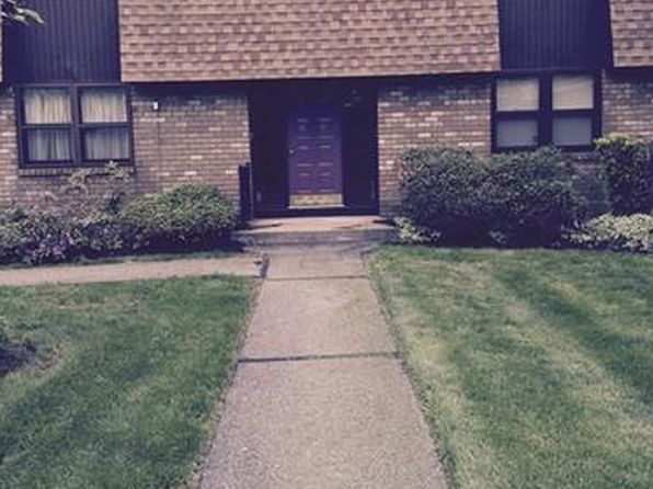 1 bed 1 bath Condo at 27 New Holland Vlg Nanuet, NY, 10954 is for sale at 145k - 1 of 15
