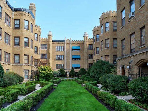 1 bed 1 bath Condo at 2446 W Greenleaf Ave Chicago, IL, 60645 is for sale at 110k - 1 of 34