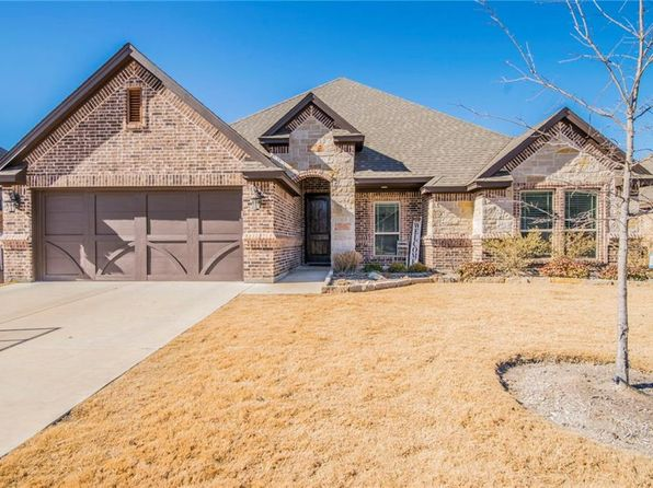 4 bed 2 bath Single Family at 133 Whitetail Dr Willow Park, TX, 76008 is for sale at 270k - 1 of 26