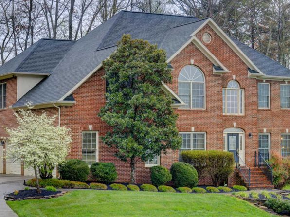 4 bed 3.5 bath Single Family at 630 Valley Hill Ln Knoxville, TN, 37922 is for sale at 395k - 1 of 32