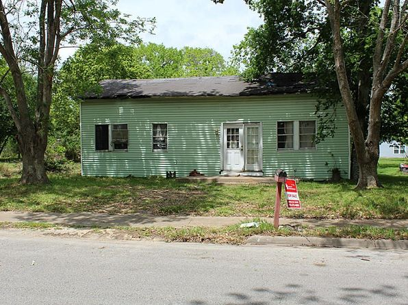 1 bed 1 bath Single Family at 320 W Peach St Angleton, TX, 77515 is for sale at 40k - 1 of 9