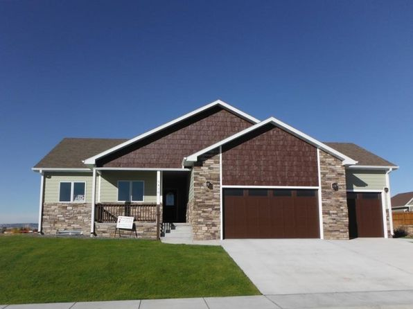 3 bed 2 bath Single Family at 3410 2ND AVE SCOTTSBLUFF, NE, 69361 is for sale at 315k - 1 of 30