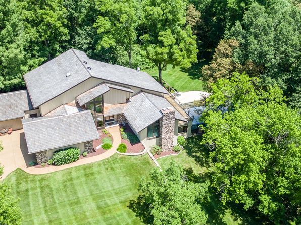 6 bed 5 bath Single Family at 16121 Walnut Hill Farm Dr Chesterfield, MO, 63005 is for sale at 1.25m - 1 of 44