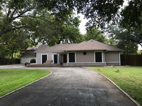 3 bed 3 bath Single Family at 2304 Thomas Rd Haltom City, TX, 76117 is for sale at 330k - 1 of 14