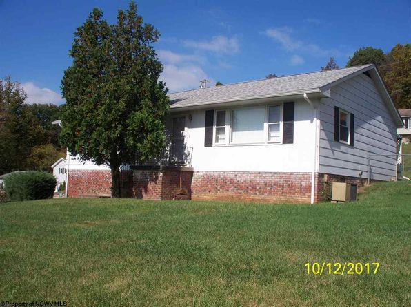 3 bed 2 bath Single Family at 20 Lakeland Park Dr Bridgeport, WV, 26330 is for sale at 125k - 1 of 17