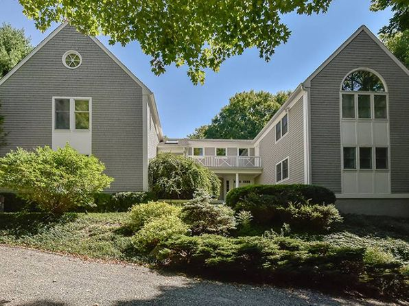 4 bed 4 bath Single Family at 2 HEMLOCK HLS CHAPPAQUA, NY, 10514 is for sale at 1.58m - 1 of 25