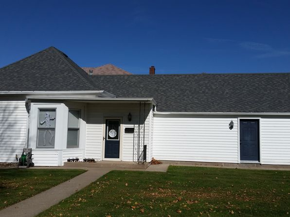 2 bed 1 bath Single Family at 1220 Louisa St Burlington, IA, 52601 is for sale at 85k - 1 of 24