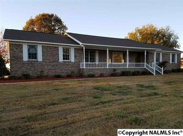 3 bed 2 bath Single Family at 224 Hambrick Dr Horton, AL, 35980 is for sale at 140k - 1 of 26