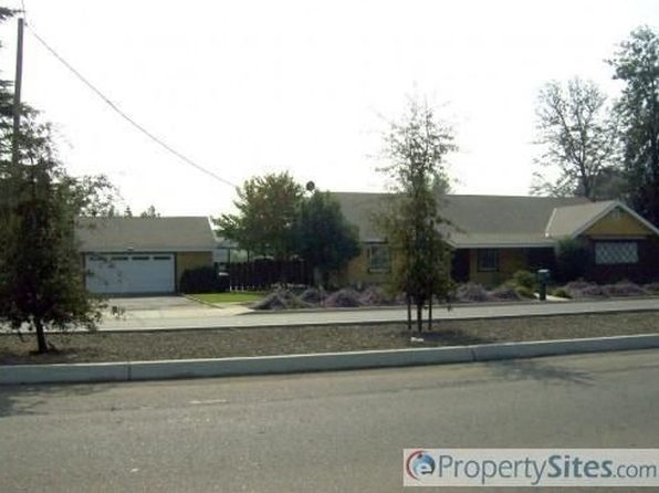 5 bed 2 bath Single Family at 1019 W Caldwell Ave Visalia, CA, 93277 is for sale at 650k - 1 of 4