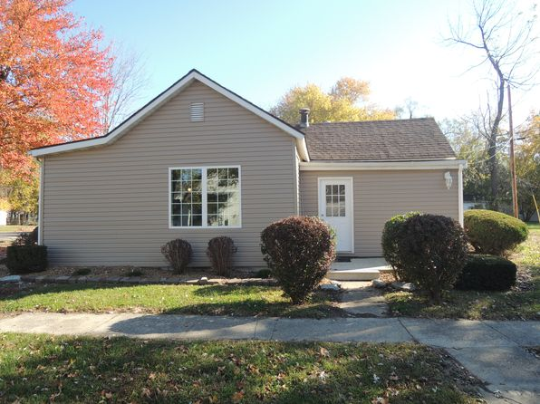 2 bed 1 bath Single Family at 304 S Spruce St Greenville, IL, 62246 is for sale at 57k - 1 of 30