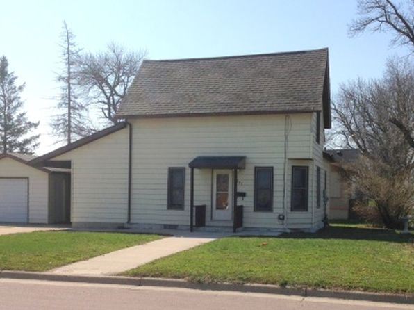 3 bed 1 bath Single Family at 237 8th St Windom, MN, 56101 is for sale at 66k - 1 of 14