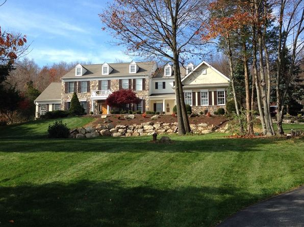 4 bed 5 bath Single Family at 8 Surrey Ln Long Valley, NJ, 07853 is for sale at 769k - 1 of 23