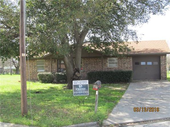 2 bed 1 bath Single Family at 1407 Noel Dr Gainesville, TX, 76240 is for sale at 67k - 1 of 8