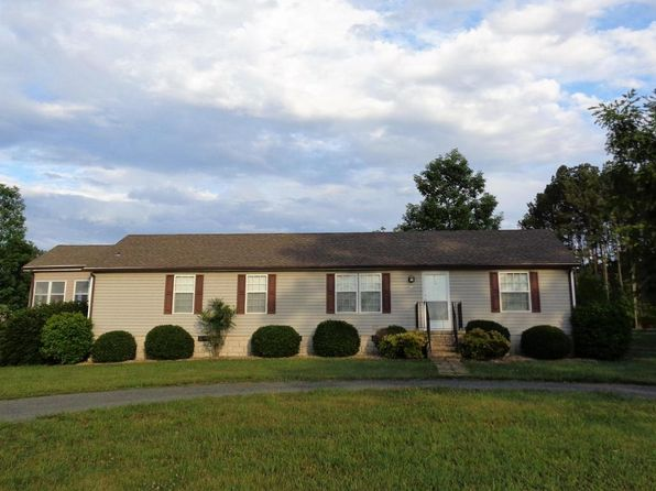 3 bed 2 bath Single Family at 573 Big Cove Dr Penhook, VA, 24137 is for sale at 145k - 1 of 14