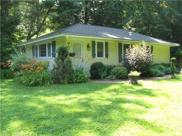 2 bed 1 bath Single Family at 108 Wellers Bridge Rd Roxbury, CT, 06783 is for sale at 299k - 1 of 36