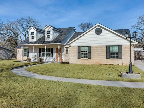 3 bed 2 bath Single Family at 4224 IDYLWOOD LN WACO, TX, 76705 is for sale at 230k - 1 of 23