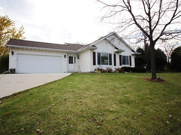 3 bed 2 bath Single Family at 265 Indian Mound Pkwy Whitewater, WI, 53190 is for sale at 170k - 1 of 13