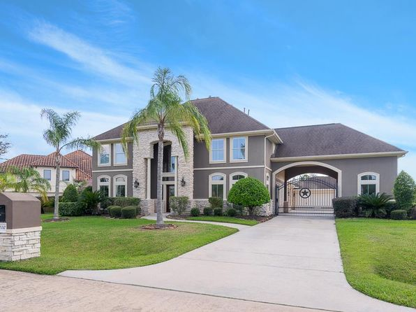 4 bed 4 bath Single Family at 2217 Lakeway Dr Friendswood, TX, 77546 is for sale at 499k - 1 of 22