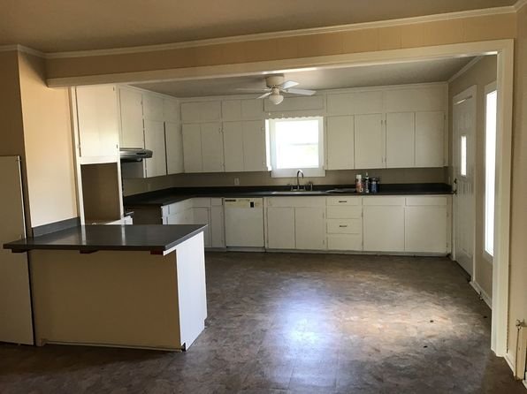 3 bed 2 bath Single Family at 2720 Greenhill Rd Mount Pleasant, TX, 75455 is for sale at 75k - 1 of 17