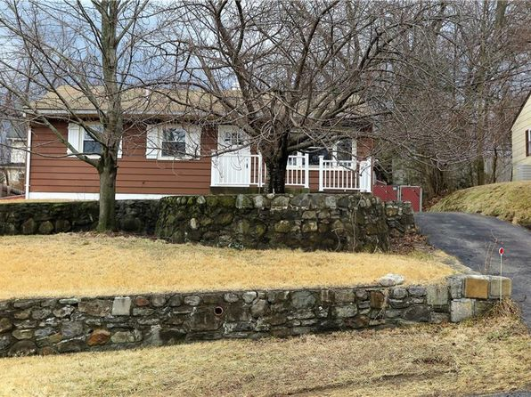 3 bed 1 bath Single Family at 19 CAYUGA DR PEEKSKILL, NY, 10566 is for sale at 240k - 1 of 18