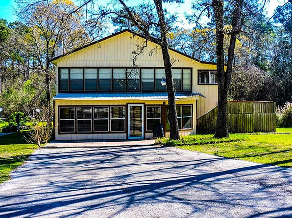 3 bed 2 bath Single Family at 170 Tallow St Onalaska, TX, 77360 is for sale at 100k - 1 of 23