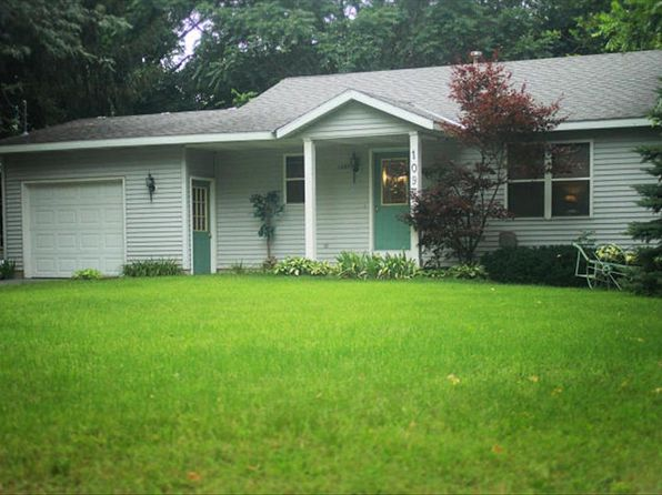 2 bed 1 bath Single Family at 1097 W 32ND ST HOLLAND, MI, 49423 is for sale at 148k - 1 of 12