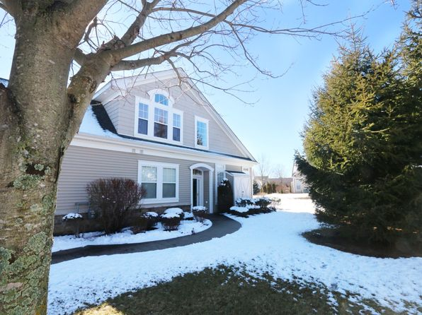 2 bed 3 bath Condo at 184 SYMPHONY DR LAKE GROVE, NY, 11755 is for sale at 720k - 1 of 25