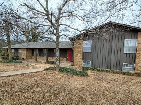 4 bed 3 bath Single Family at 1305 SKYLINE DR RUSSELLVILLE, AR, 72802 is for sale at 225k - 1 of 39