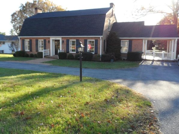 4 bed 4 bath Single Family at 1225 Pickwick Ln Salem, VA, 24153 is for sale at 340k - 1 of 52