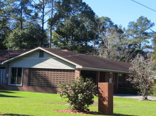4 bed 2.5 bath Single Family at 905 W 5th St Adel, GA, 31620 is for sale at 139k - 1 of 3