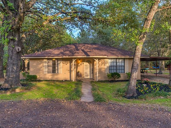 2 bed 1 bath Single Family at 65 DEERFIELD RD HUNTSVILLE, TX, 77340 is for sale at 118k - 1 of 29