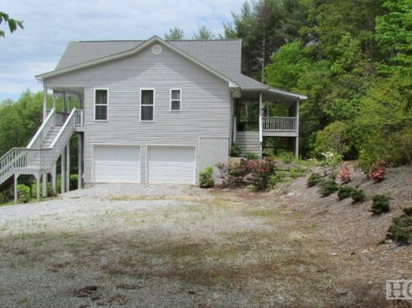 3 bed 3 bath Single Family at 469 Upsy Daisy Ln Cashiers, NC, 28717 is for sale at 359k - 1 of 13