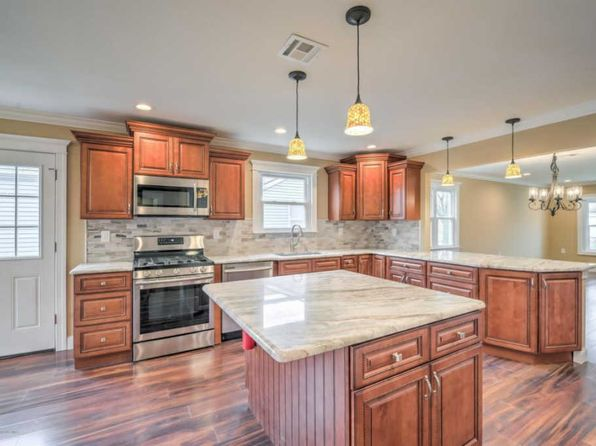 2 bed 2 bath Single Family at 17 Haiti Ct Toms River, NJ, 08757 is for sale at 277k - 1 of 26