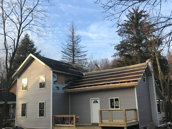 3 bed 2 bath Single Family at 4 E Pleasant St Van Etten, NY, 14889 is for sale at 70k - 1 of 4