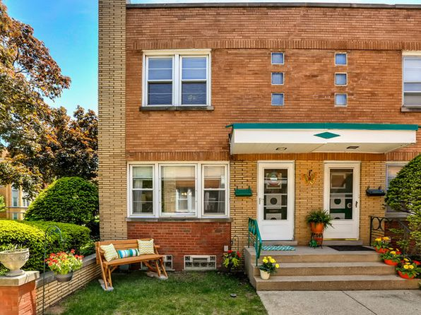 2 bed 2 bath Townhouse at 229 S Maple Ave Oak Park, IL, 60302 is for sale at 240k - 1 of 27