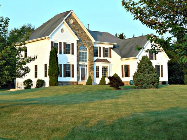 5 bed 5 bath Single Family at 21000 Brooke Knolls Rd Laytonsville, MD, 20882 is for sale at 695k - 1 of 21