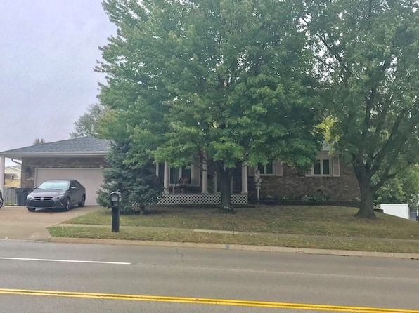 4 bed 3 bath Single Family at 214 N Parkway Dr Pekin, IL, 61554 is for sale at 122k - 1 of 19