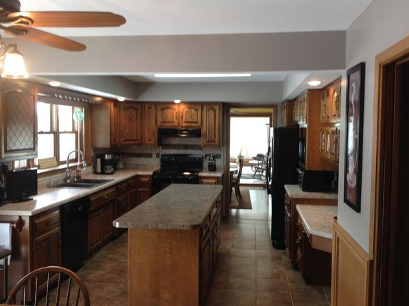 3 bed 4 bath Single Family at 4909 County Road Vv Two Rivers, WI, 54241 is for sale at 290k - 1 of 22