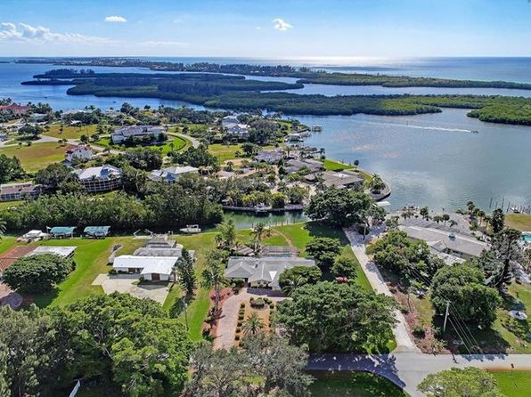 3 bed 3 bath Single Family at 115 Spyglass Aly Placida, FL, 33946 is for sale at 890k - 1 of 25