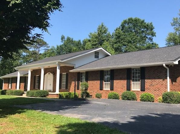 4 bed 3.5 bath Single Family at 415 Wells Rd Marble, NC, 28905 is for sale at 350k - 1 of 9