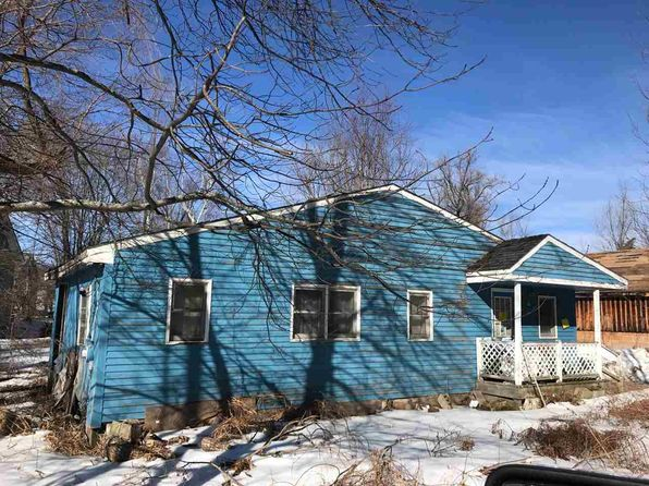 2 bed 1 bath Mobile / Manufactured at 36 Garfield St Farmington, NH, 03835 is for sale at 34k - google static map