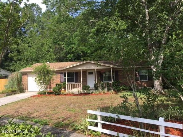 3 bed 2 bath Single Family at 5918 Camaro Dr W Jacksonville, FL, 32244 is for sale at 130k - 1 of 24