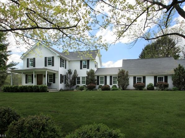 4 bed 4 bath Single Family at 279 Pleasant Valley Rd Mendham, NJ, 07945 is for sale at 995k - 1 of 19