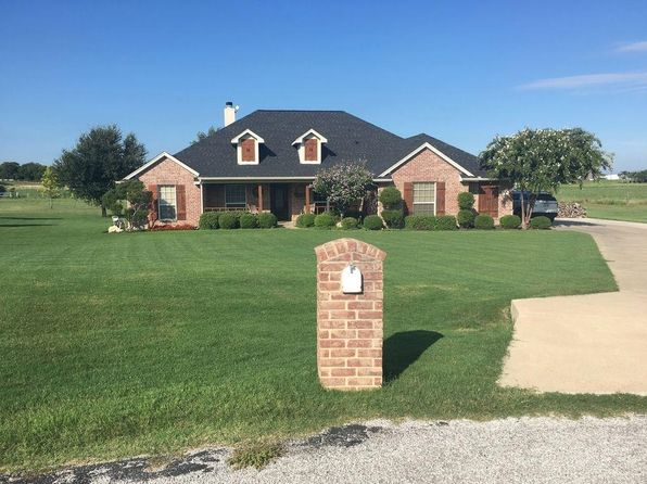 4 bed 3 bath Single Family at 1949 Saw Tooth Ct Haslet, TX, 76052 is for sale at 410k - 1 of 31