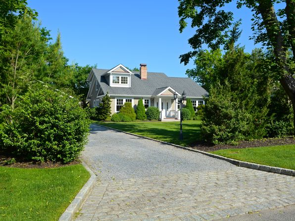 3 bed 3 bath Single Family at 24 Thornhedge Rd Bellport Village, NY, 11713 is for sale at 1.20m - 1 of 10