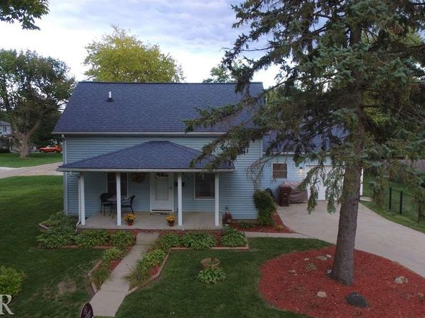 3 bed 2 bath Single Family at 811 N White St Le Roy, IL, 61752 is for sale at 125k - 1 of 28