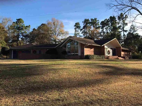 3 bed 3 bath Single Family at 810 N Louise St Atlanta, TX, 75551 is for sale at 300k - 1 of 38