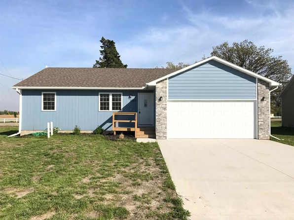3 bed 2 bath Single Family at 1520 Buffalo Ter Emporia, KS, 66801 is for sale at 159k - 1 of 14