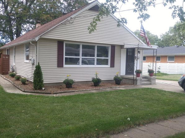 3 bed 2 bath Single Family at 411 Hickory St Three Oaks, MI, 49128 is for sale at 134k - 1 of 23